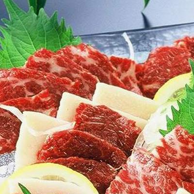肉のみやべが厳選した馬刺し3種盛り合わせ