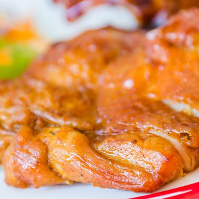 肉のみやべが厳選したブランド地鶏『九州の赤どり』